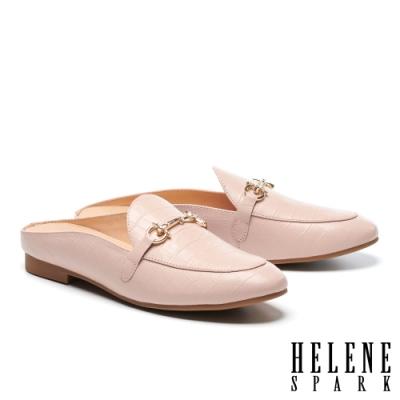 穆勒鞋 HELENE SPARK 時尚品味晶鑽馬銜釦低跟穆勒拖鞋-粉