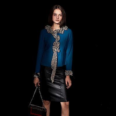 ICHE 衣哲 時尚精緻羊毛拼接印花滾邊荷葉造型外套-暮色藍