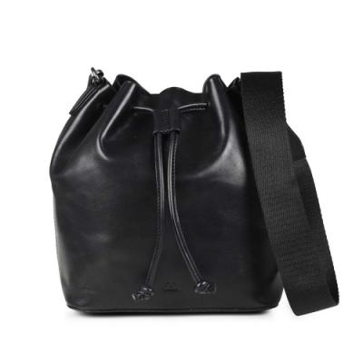 MARKBERG Kendall 丹麥手工牛皮寬帶時尚水桶包 斜背包/肩揹包