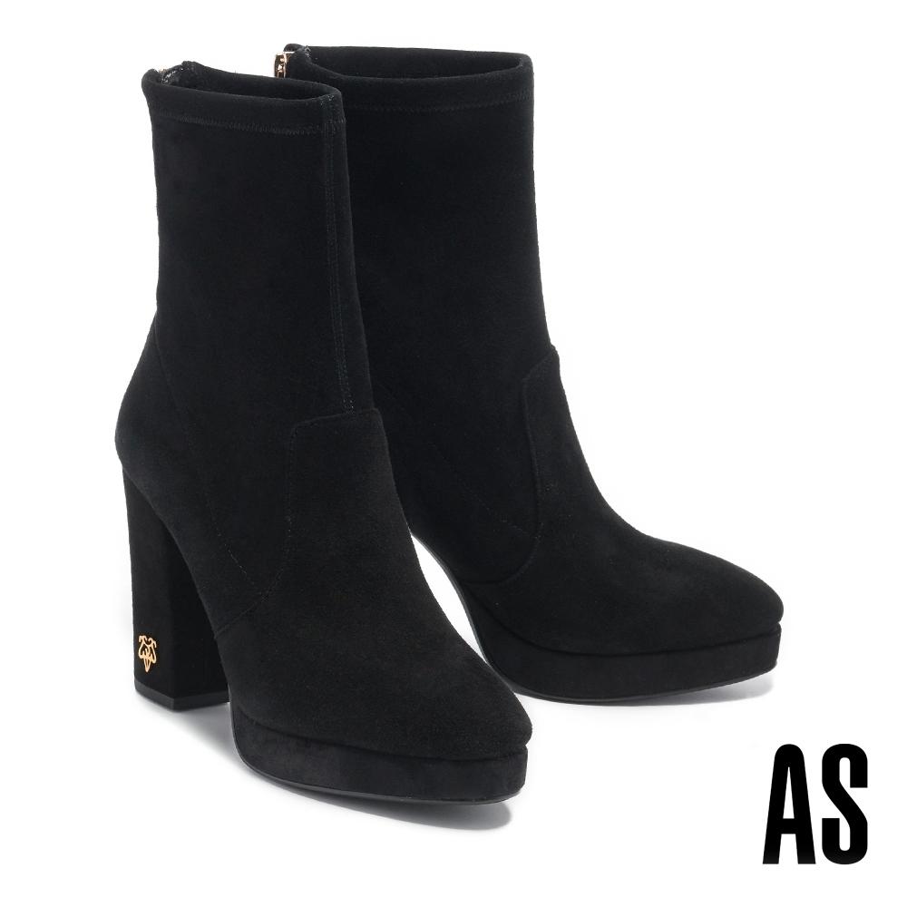 短靴 AS 復古時髦新經典金屬 LOGO 羊麂皮美型高跟短靴-黑