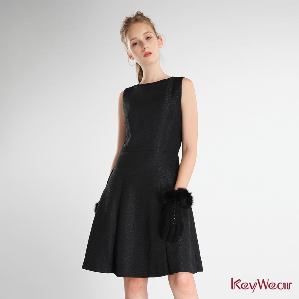 KeyWear奇威名品    立體圓點印花無袖洋裝-黑色