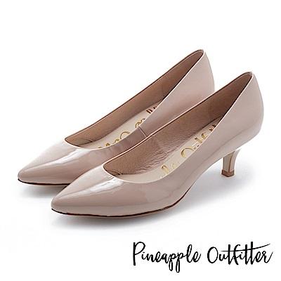 Pineapple Outfitter 簡約風尚 素面尖頭中跟鞋-鏡粉
