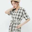 H:CONNECT 韓國品牌 女裝-腰間綁帶排扣格紋洋裝-黑