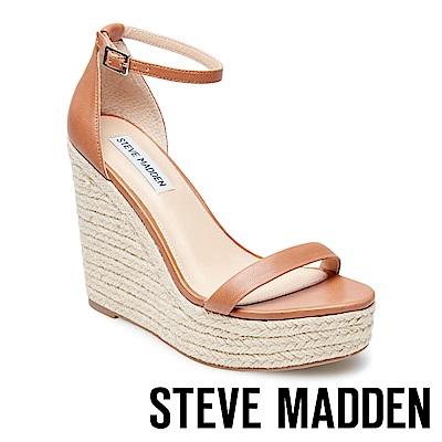 STEVE MADDEN-SURVIVE 一字窄版繞踝草編楔型涼鞋-棕色