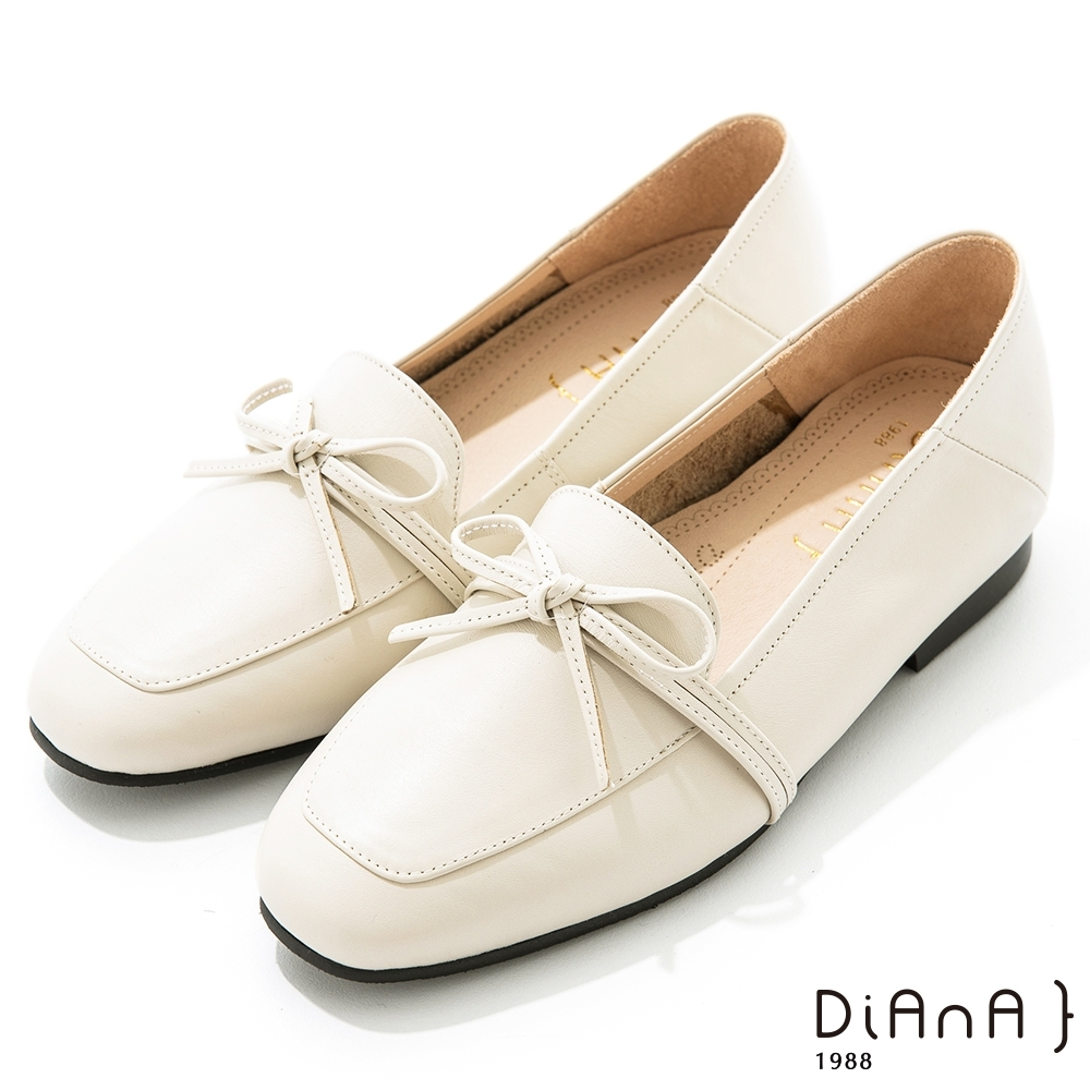 DIANA 1.5 cm質感牛皮蝴蝶結低跟樂福鞋-漫步雲端焦糖美人-牛奶白