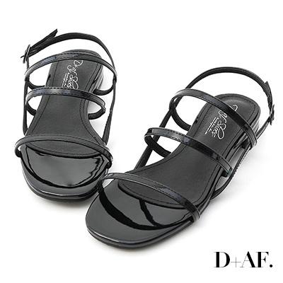 D+AF 仲夏焦點.三條帶漆皮低跟涼鞋*黑