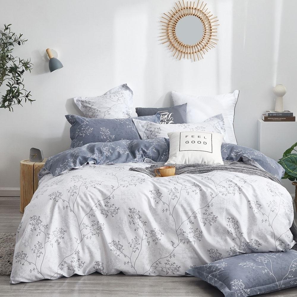(買一送一)DUYAN竹漾-100%精梳純棉-單/雙/大床包枕套組-多款任選 台灣製 (雪葉紛飛)