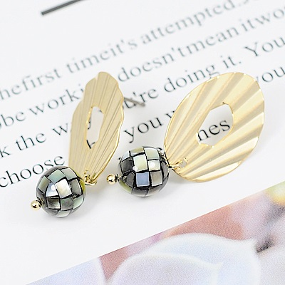 Prisme美國時尚飾品 珍藏寶石 金色耳環 耳針式
