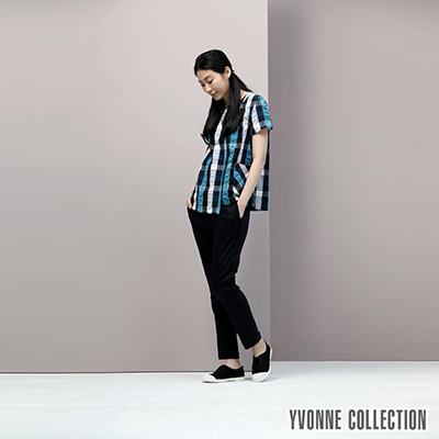 YVONNE泡泡格紋短袖上衣- 深藍