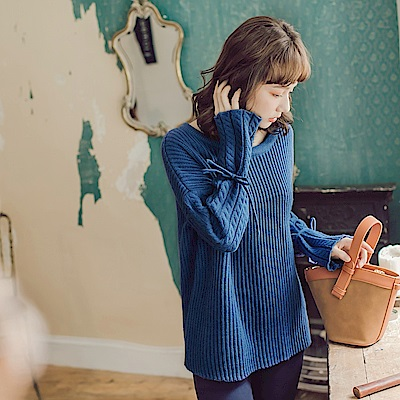 純色袖口綁帶麻花針織上衣-OB大尺碼