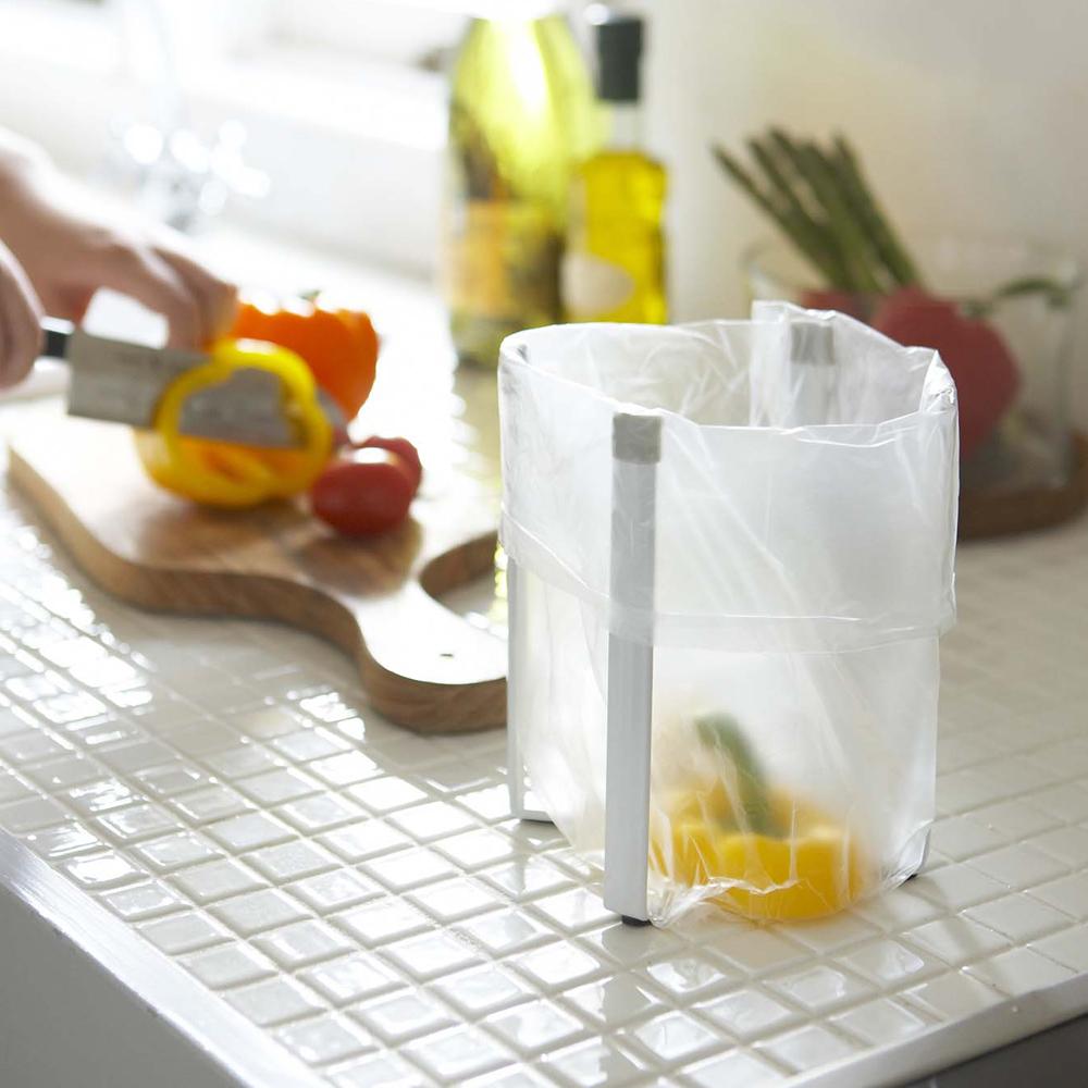 日本【YAMAZAKI】Plate多用途支撐架-S★奶瓶架/保溫杯架/烤盤架/廚房/垃圾桶架