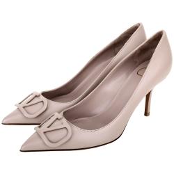 VALENTINO VLogo 字母小牛皮尖頭高跟鞋(粉耦色)