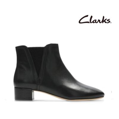 Clarks 蹤履隨型-簡約素面微尖頭切爾西靴 黑色