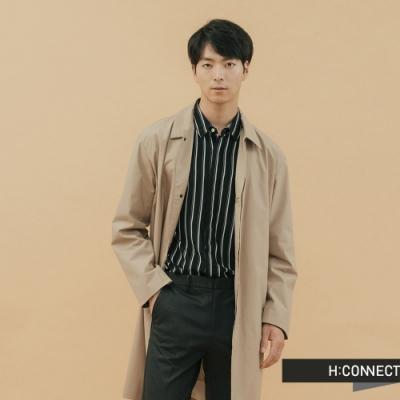 【周慶限量款】H:CONNECT 韓國品牌 男裝-簡約純色排扣風衣-卡其