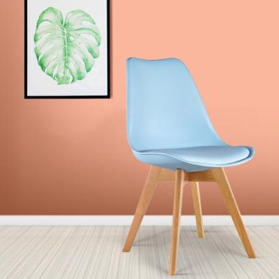 E-home-EMSB北歐經典造型軟墊櫸木腳餐椅 粉藍色