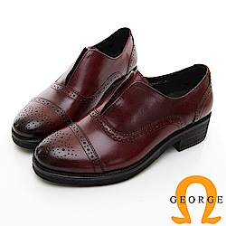 【GEORGE 喬治皮鞋】英倫經典雕花牛津中跟鞋-酒紅色