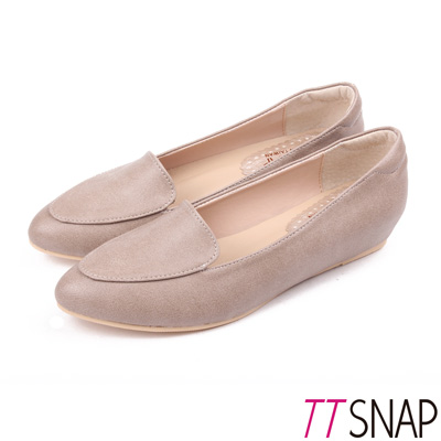 TTSNAP內增高-MIT桃心真皮後跟沙發低跟鞋 卡其