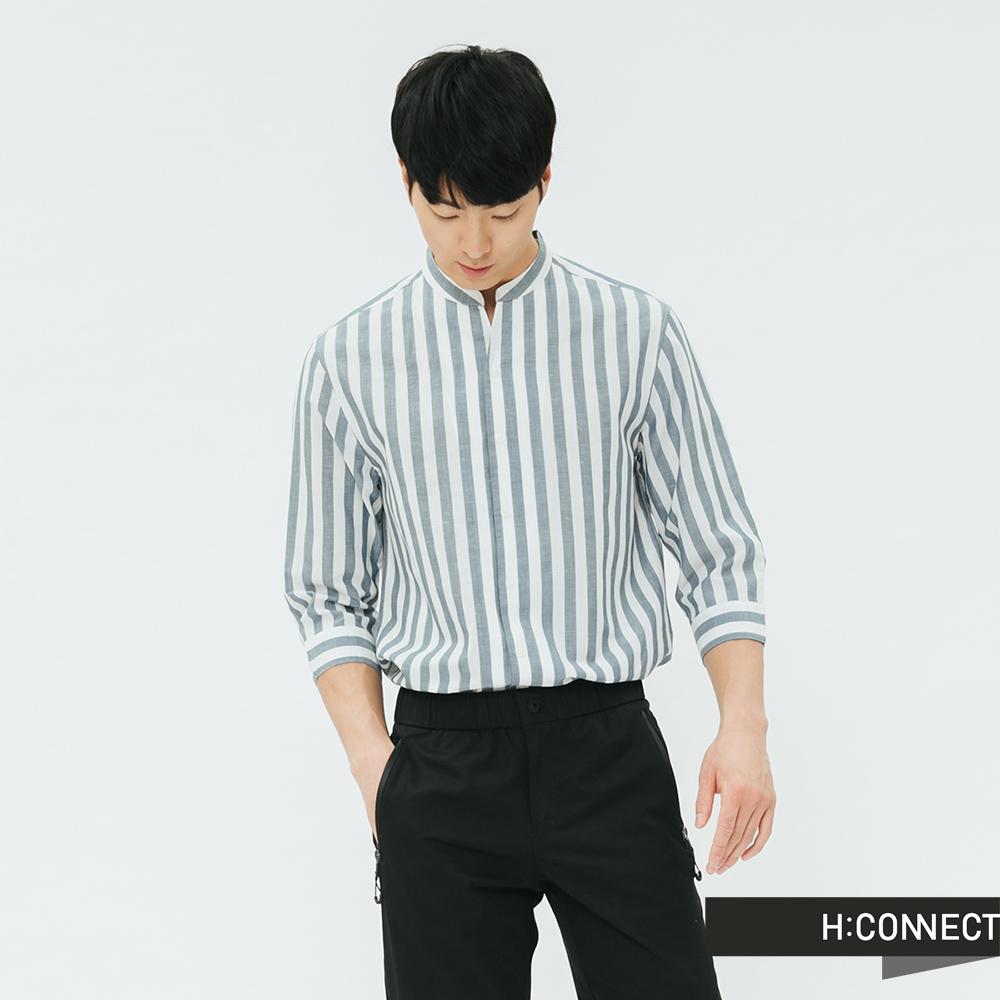 H:CONNECT 韓國品牌 男裝-直條紋七分袖棉麻襯衫-淺藍