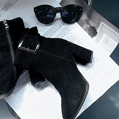 IREAL 時尚歐美風.方釦麂皮粗跟短靴