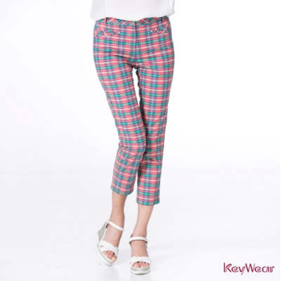 KeyWear奇威名品    鄰家女孩俏皮格紋休閒褲-綜合色