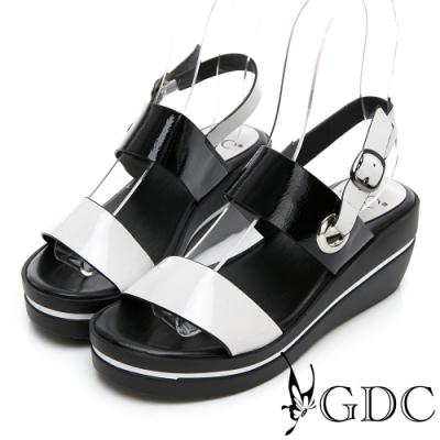 GDC-春夏漆皮一字側扣環拼接楔型涼鞋-米色