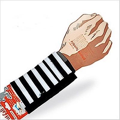 PCMAMA多用途運動手臂套手機套手腕袋手腕套Wrist Bag(黑白二道WC049;可放零錢紙鈔信用卡悠遊卡一卡通)