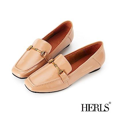 HERLS 全真皮馬銜釦方頭漆皮樂福鞋-深粉膚