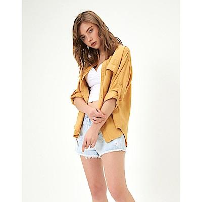 CACO-剪裁寬版素襯衫(兩色)-女【TAR044】