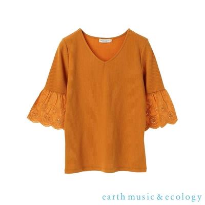 earth music 花邊刺繡袖口拼接設計V領上衣