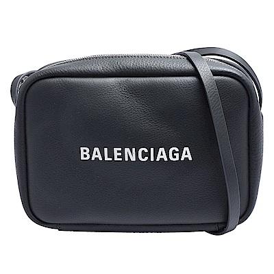 BALENCIAGA 經典EVERYDAY系列品牌白色字母LOGO小牛皮斜背相機包(灰)