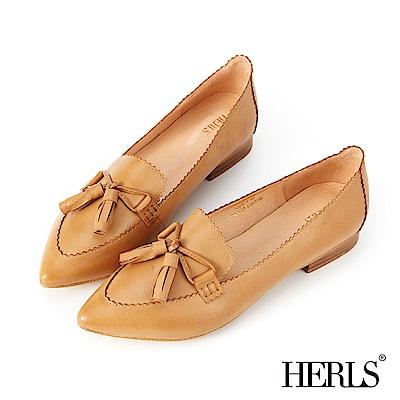 HERLS 典雅品味 全真皮蝴蝶結流蘇低跟鞋-駝色