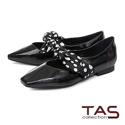 TAS 復古圓點緞布繫帶漆皮平底娃娃鞋–復古黑
