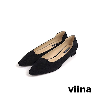 viina Basic 素面尖頭特殊剪裁低跟鞋 - 黑