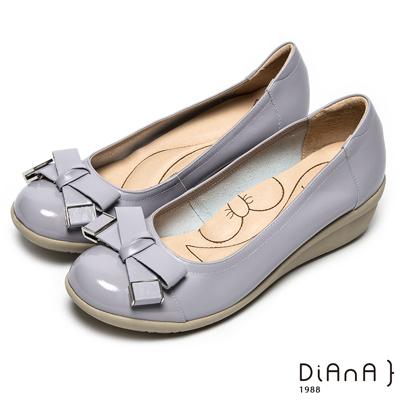 DIANA漫步雲端蝴蝶結款-漆皮蝴蝶結低跟鞋-灰紫色
