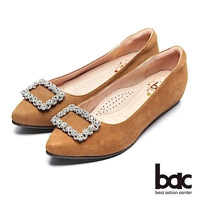 【bac】都會新秀 - 尖頭花邊方形飾釦內增高尖頭平底包鞋