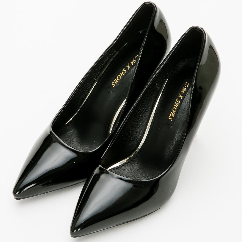 River&Moon跟鞋-素面亮皮尖頭高跟鞋-黑色