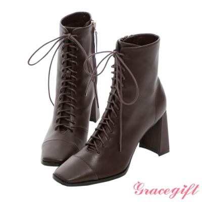 Grace gift X Kerina-聯名方頭綁帶高跟短靴 紅咖