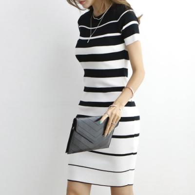正韓 圓領條紋包臀針織連身裙 (共二色)-N.C21