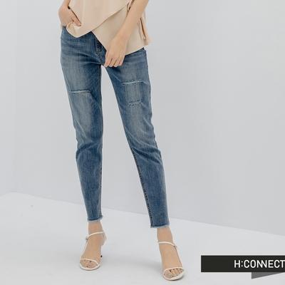 H:CONNECT 韓國品牌 女裝 -微割破水洗褲管抽鬚牛仔長褲