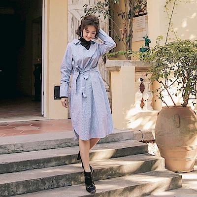 iMODA STAR-臧芮軒。高含棉假兩件小高領直條紋綁帶中長洋裝