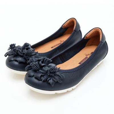 GEORGE 喬治皮鞋 立體花型圓頭平底娃娃鞋-藍色