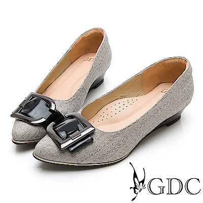 GDC-特殊設計銀扣拼接尖頭低跟素色上班鞋-灰色