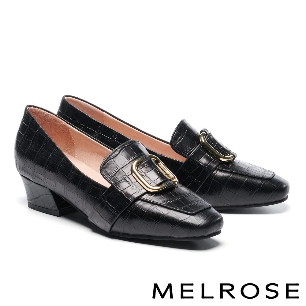 低跟鞋 MELROSE 復古時尚金屬飾釦壓紋牛皮造型方頭樂福低跟鞋-黑
