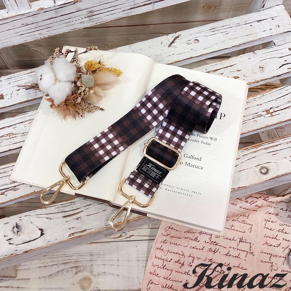 KINAZ 經典格紋品牌質感寬版背帶-琥珀紅棕-帶我走系列