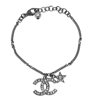 CHANEL 經典雙C LOGO水鑽點綴星星珍珠鑲飾造型手鍊(銀)
