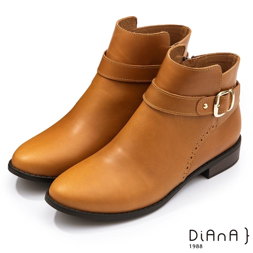 DIANA 3公分雕花牛皮皮帶金屬鉚釘釦飾尖頭短靴-細緻品味 –棕