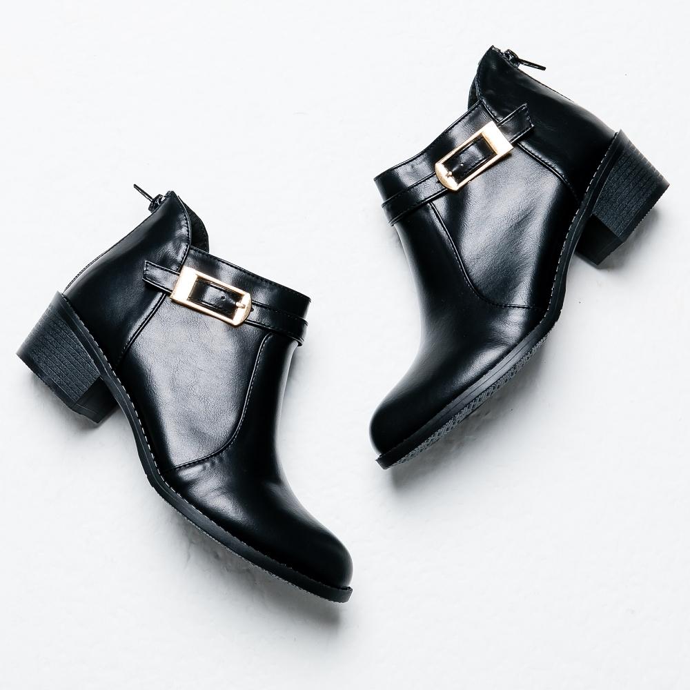 River&Moon短靴-斜口方扣後拉鍊粗跟短靴 黑