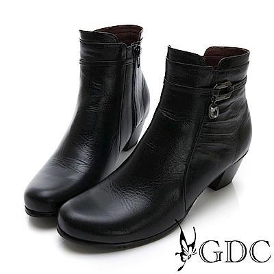 GDC-真皮抓皺小扣飾時尚小短靴-黑色
