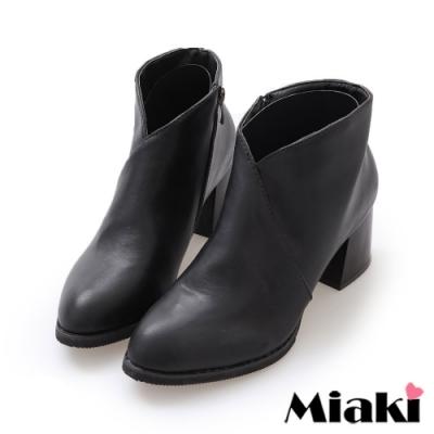 Miaki-短靴暢銷韓風V字尖頭踝靴-黑