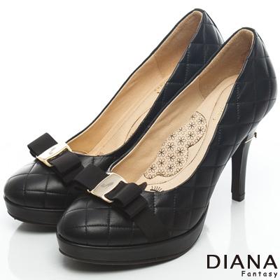 DIANA 超厚切LADY款--雷射飾釦格紋綿羊皮跟鞋-黑